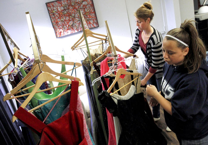 Cinderella S Closet Event Offers Affordable Prom Finery