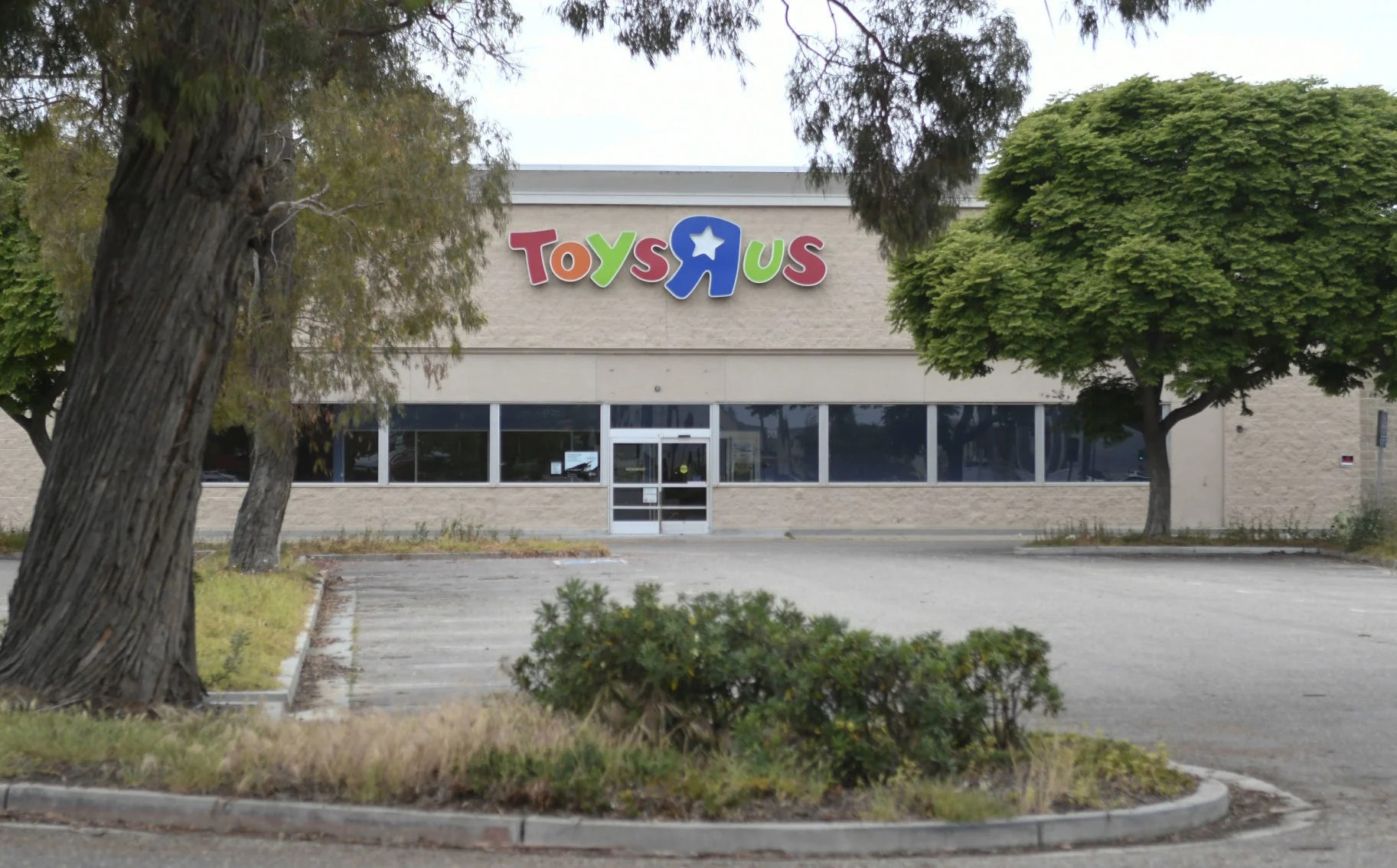 Hobby Lobby Planning Move Into Former Toys R Us Building