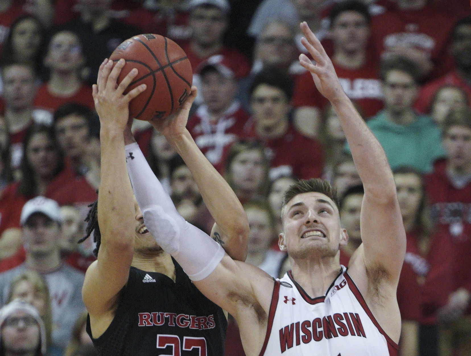 Tom Oates: the impact of Micah Potter on Badgers in full show in the victory over Rutgers Scarlet Knights | Wisconsin Badgers Men's Basketball