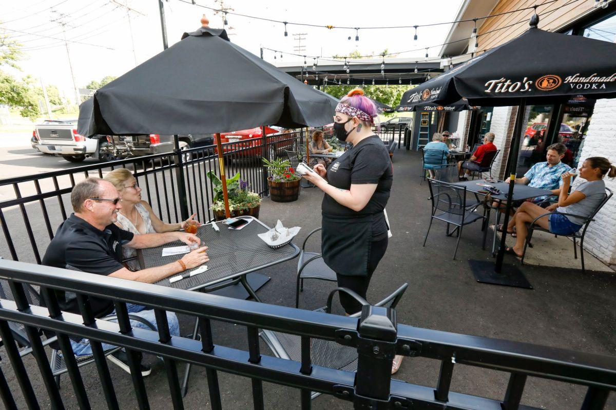 patio pleasures outdoor dining