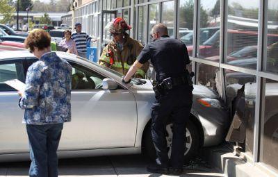 Car Crashes into Twin Falls Restaurant   Local   magicvalley.com