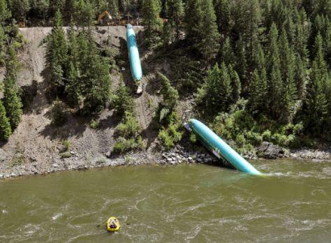 110614-mis-nws-boeing-derailment