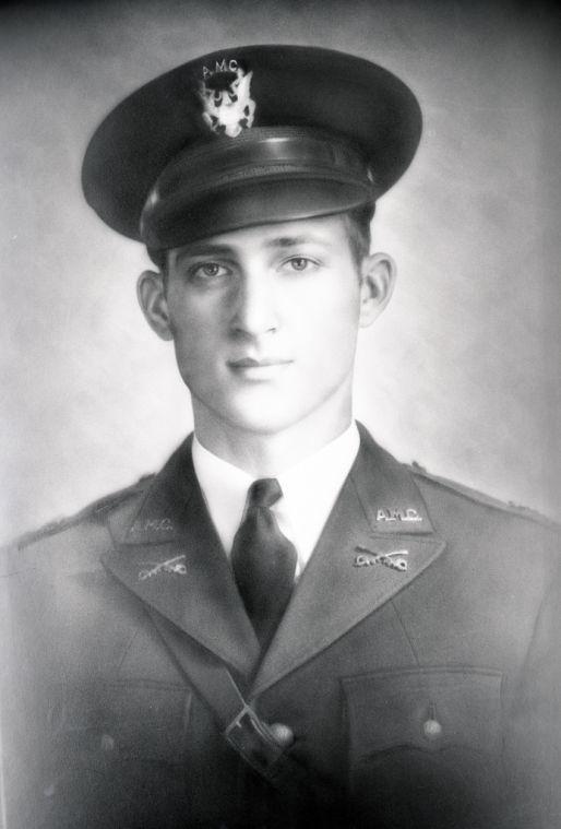 Lt Thomas Weldon Fowler Sr Class Of 1943 Medal Of