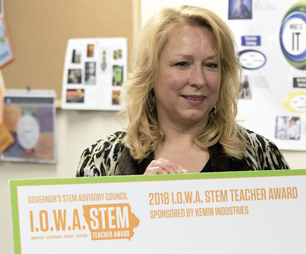 T. Hoag Receives . Stem Teacher Award