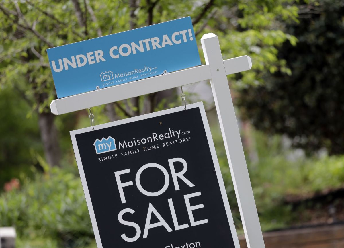 "An ""under Contract"" Sign Is Posted In Front Of A Home For Sale In  Charlotte, North Carolina. Home Sales In Northwest Indiana Were Close To  Even In July As"