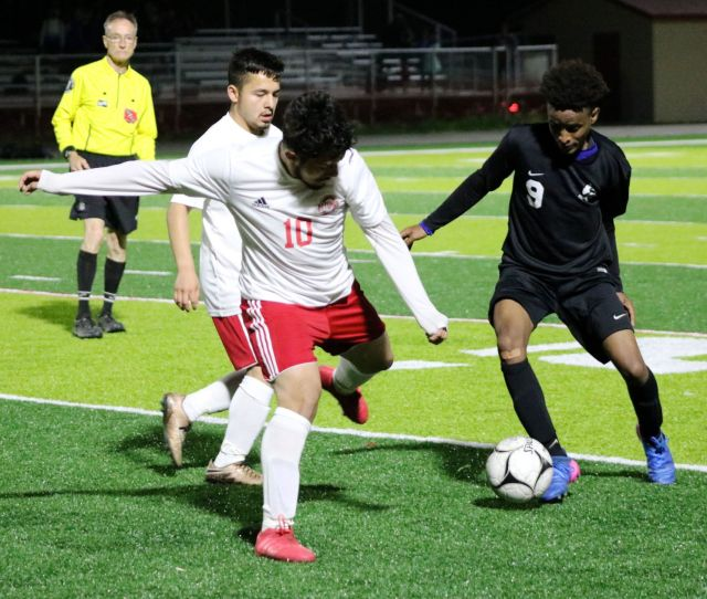 Early Strikes Lead Hoover Past Bulldogs