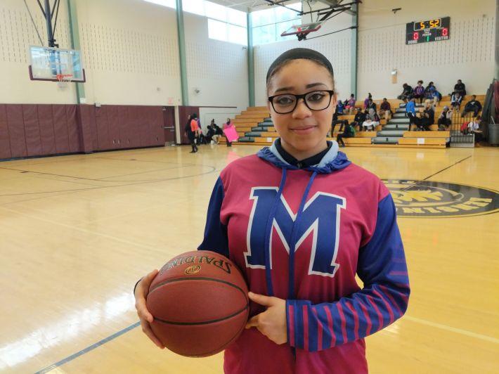 Afbeeldingsresultaat voor nasihah thompson basketball hijab philadelphia