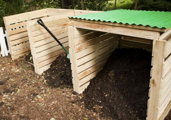 Gardener: Building A Simple Pallet Composting Bin