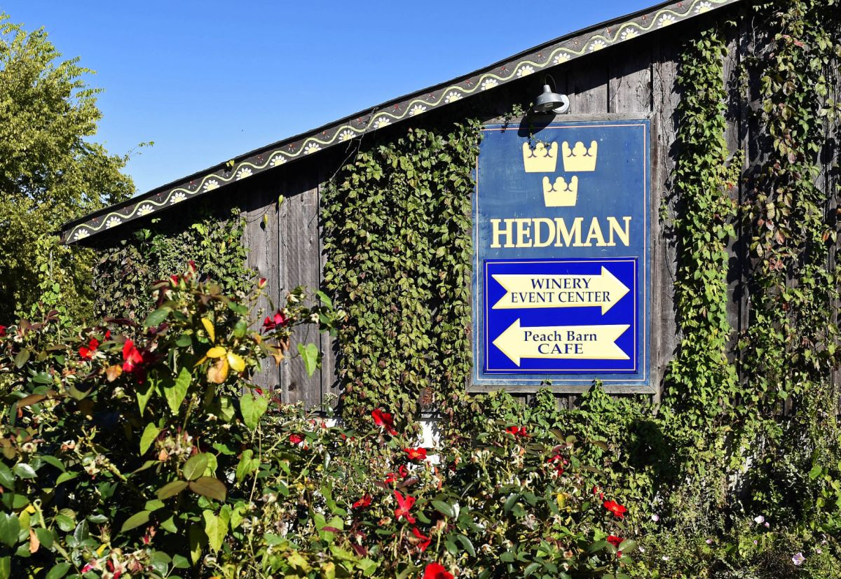 Hedman Vineyards Peachbarn Gem Of