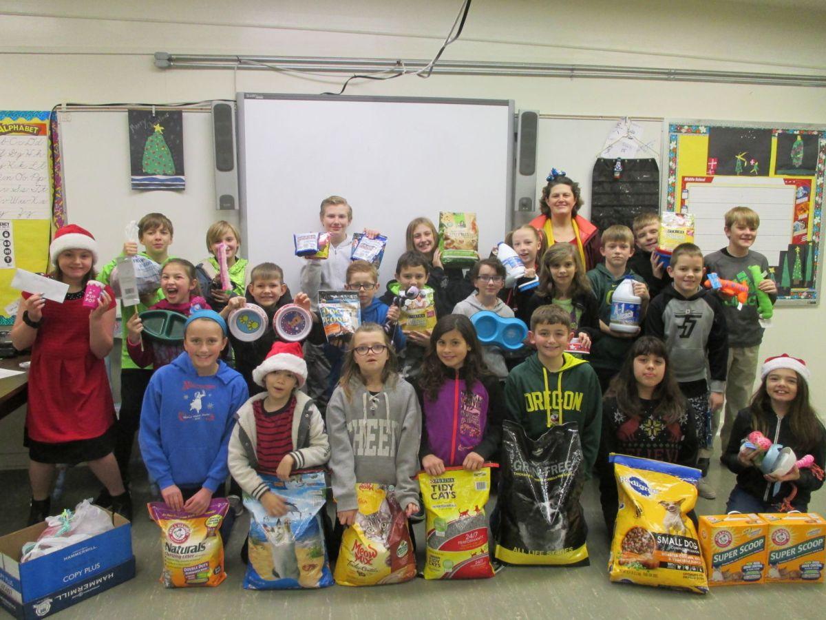 Harbor Lights students help animal shelter  Bandon News