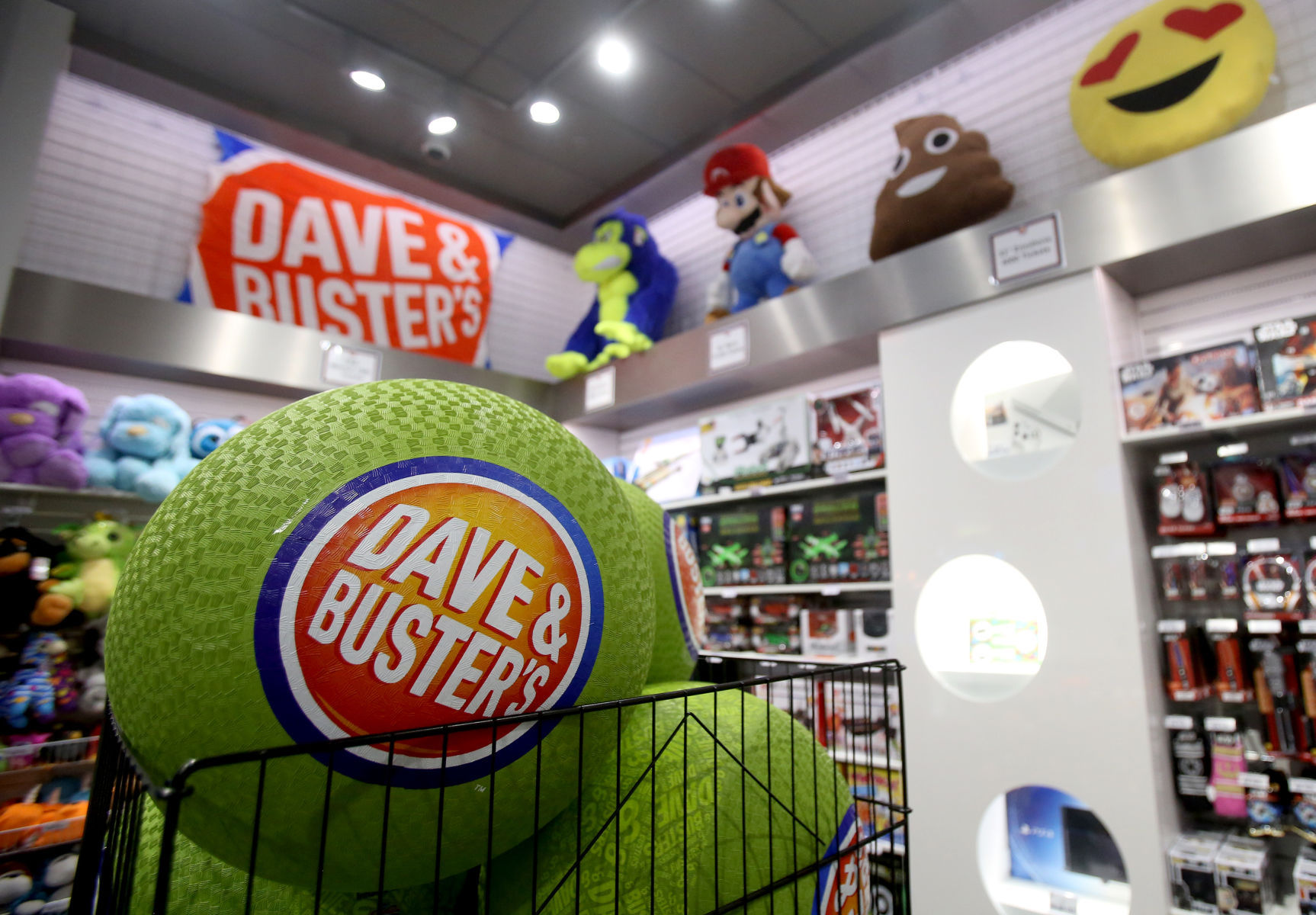 Take A Look At Tucson S First Dave Buster S Opening