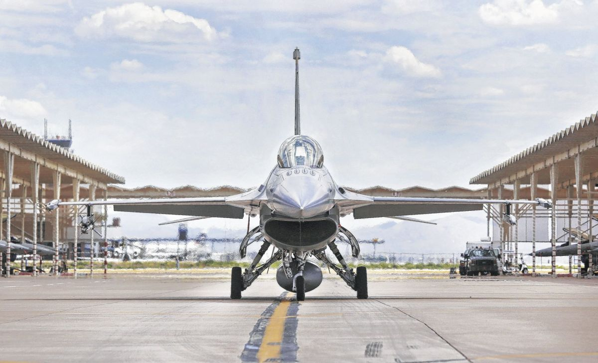 Dozens more F16 fighter jets could be coming to Tucson