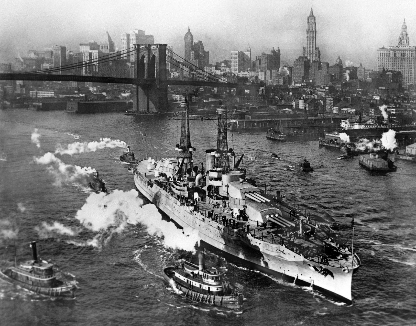 rarely seen photos of the uss arizona sunk dec 7 1941 in pearl harbor retro tucson tucson com [ 1200 x 939 Pixel ]