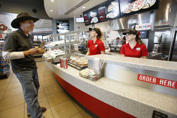 QuikTrip adds freshlymade food counters to local stations