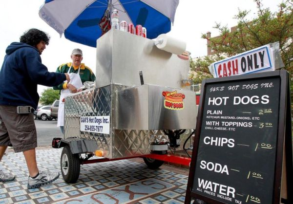 Hot dog cart brings touch of New York to Waco Business