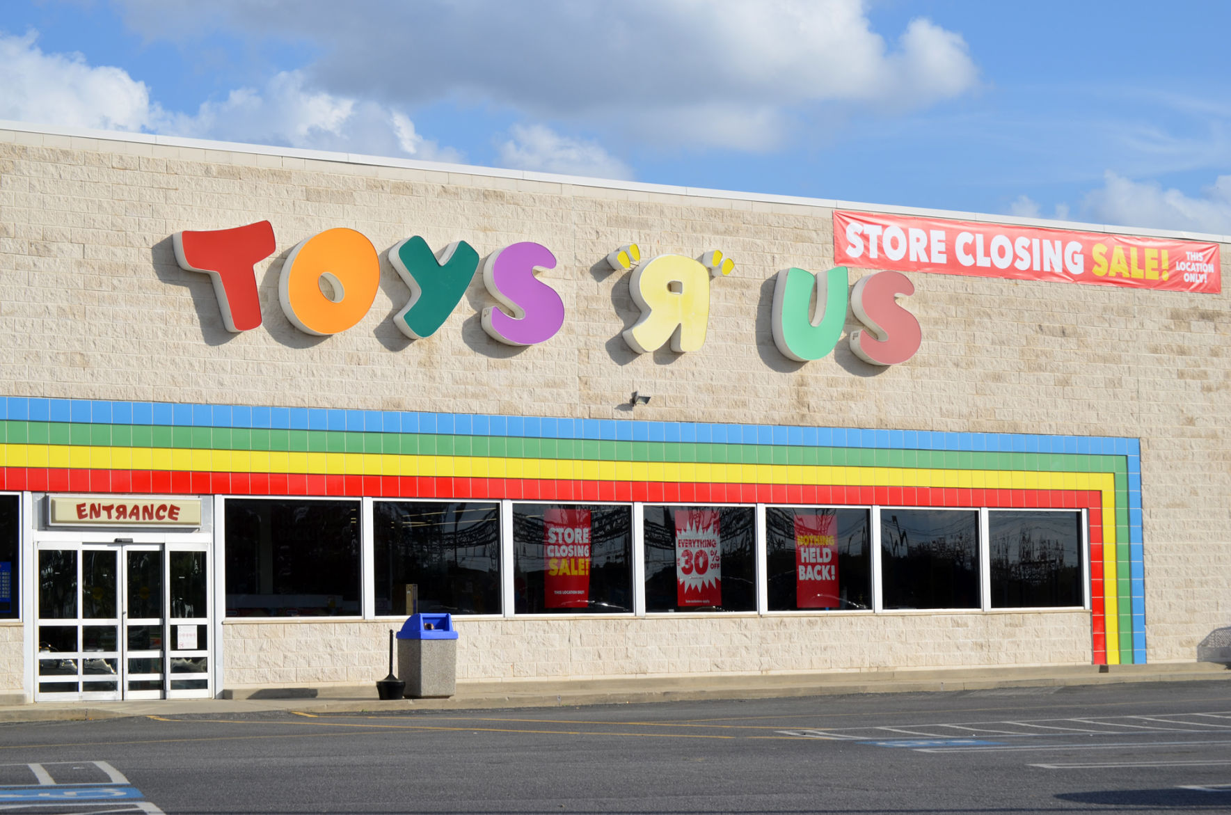 Toys R Us May Be Coming Back Business Albanyherald
