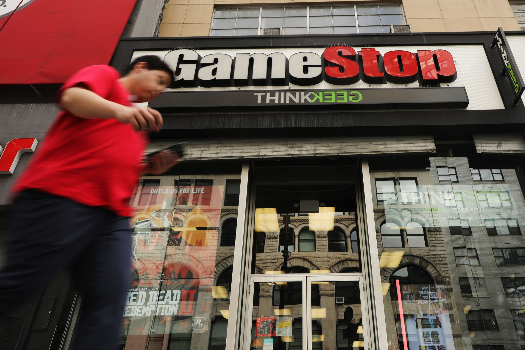 Gamestop S Rough Year Continues With More Weak Earnings