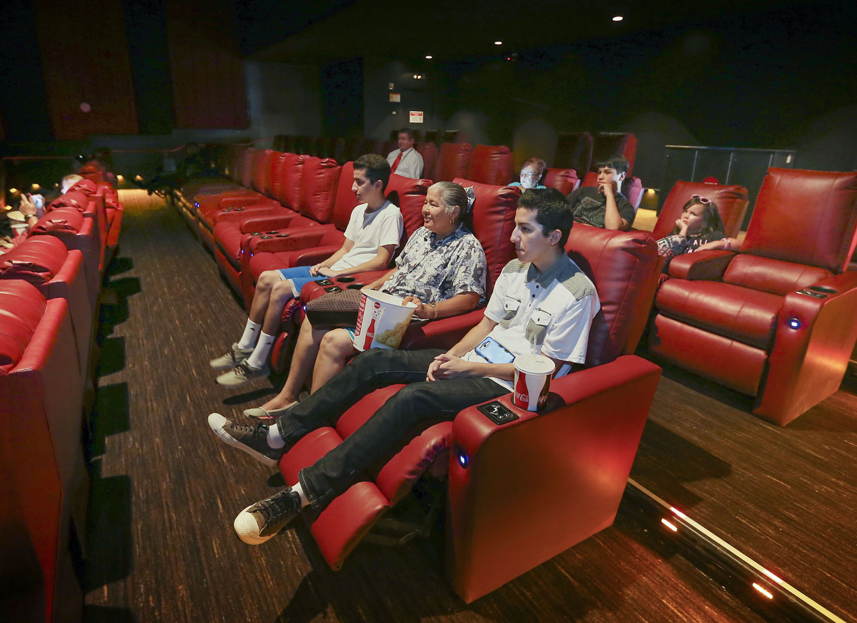 Reclining Chair Movie Theater Amc 6 Reopens On California Avenue With Reclining Seats Upcoming