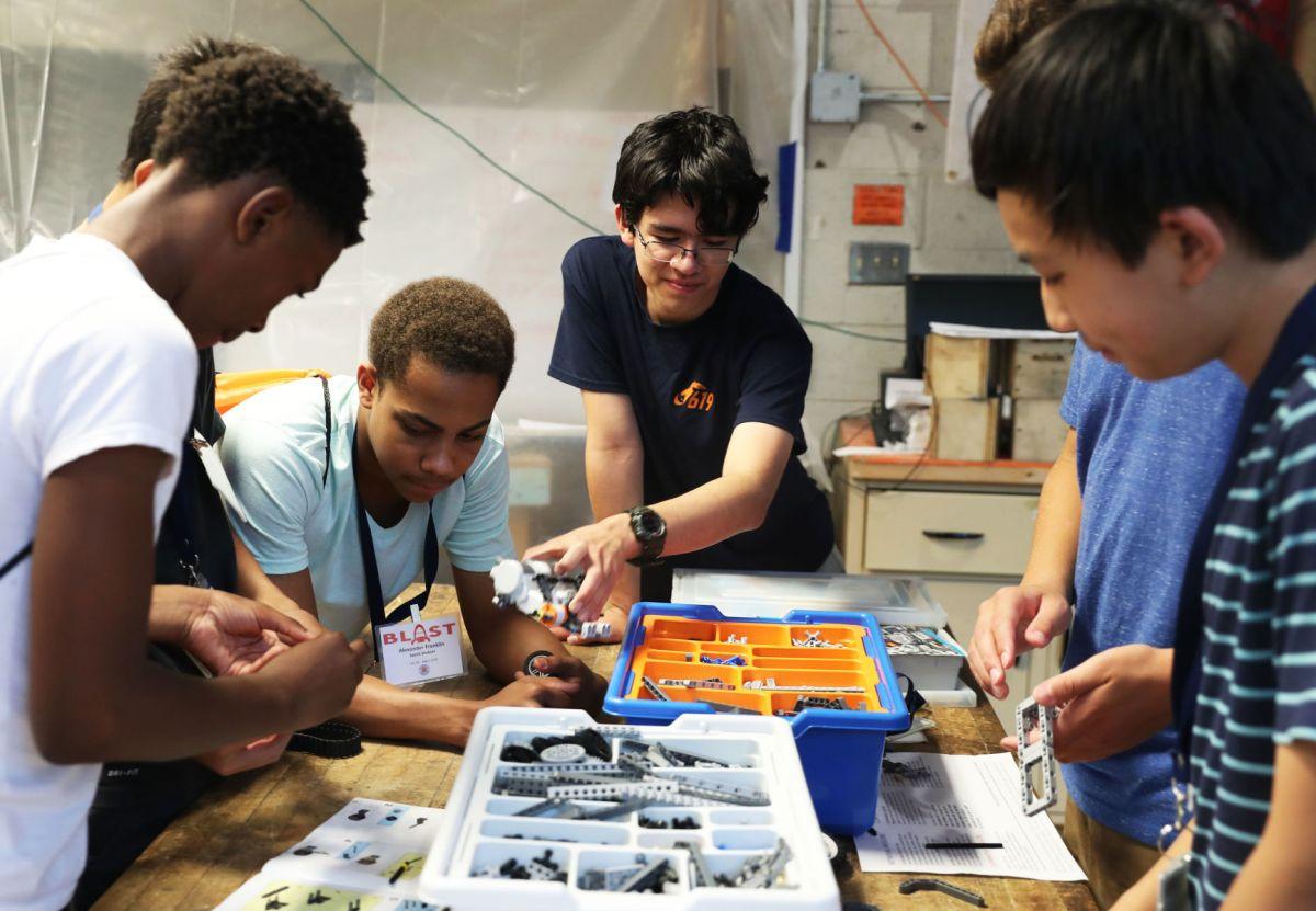 Students Solve Stem Problems In Blast Program