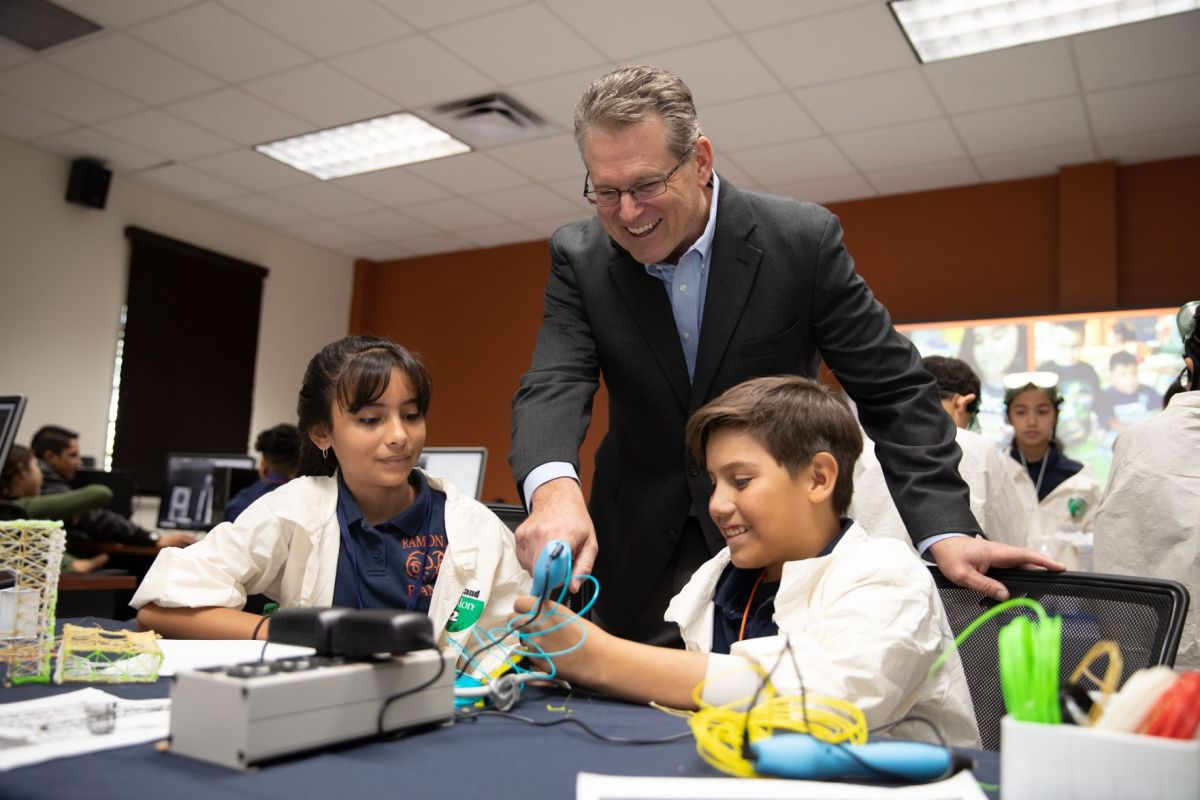 Marathon Awards Yisd Schools Stem Grants El Paso Kids