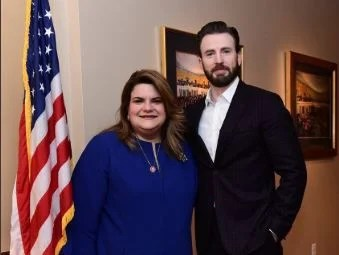 Jenniffer González janguea con Captain America