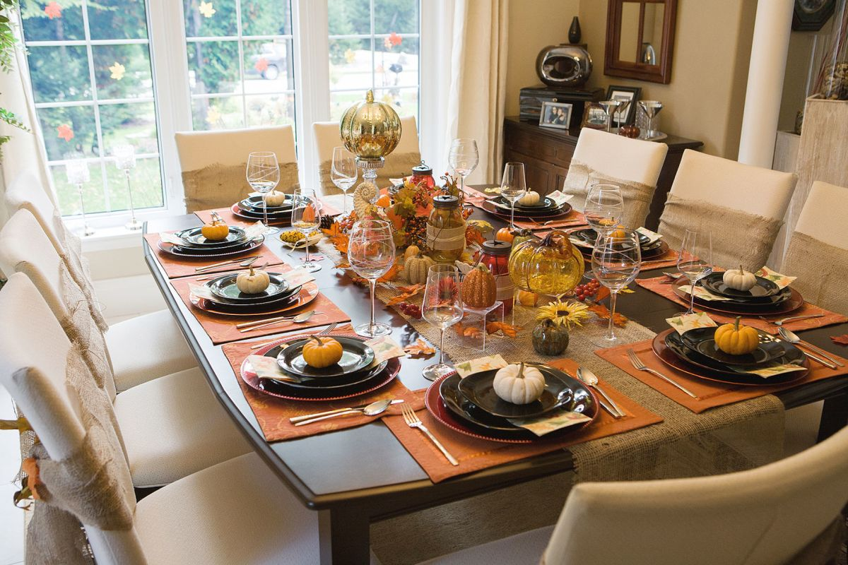 thanksgiving table settings a