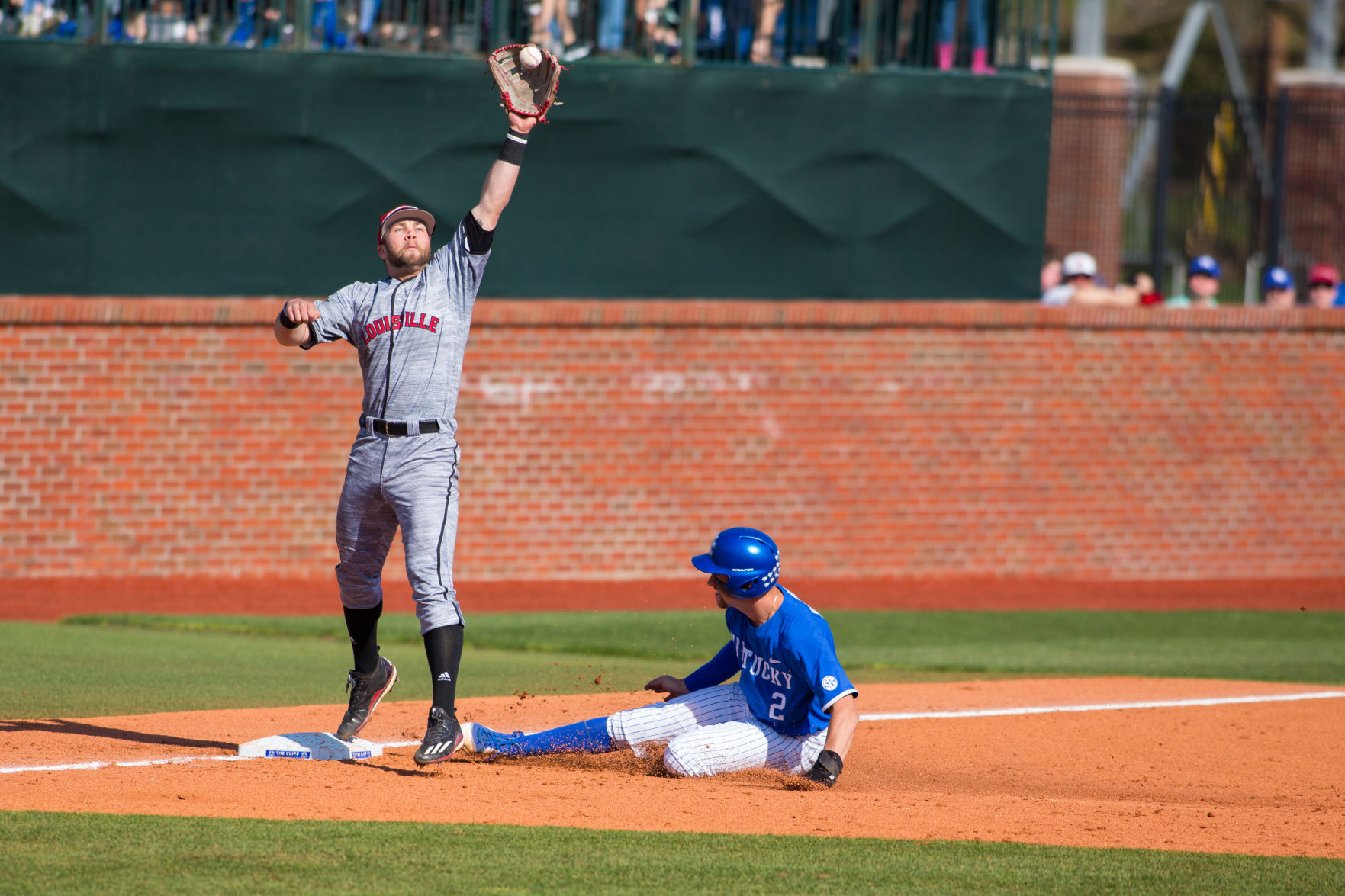 Uk Baseball Heads To Uofl Looking To Complete Regular