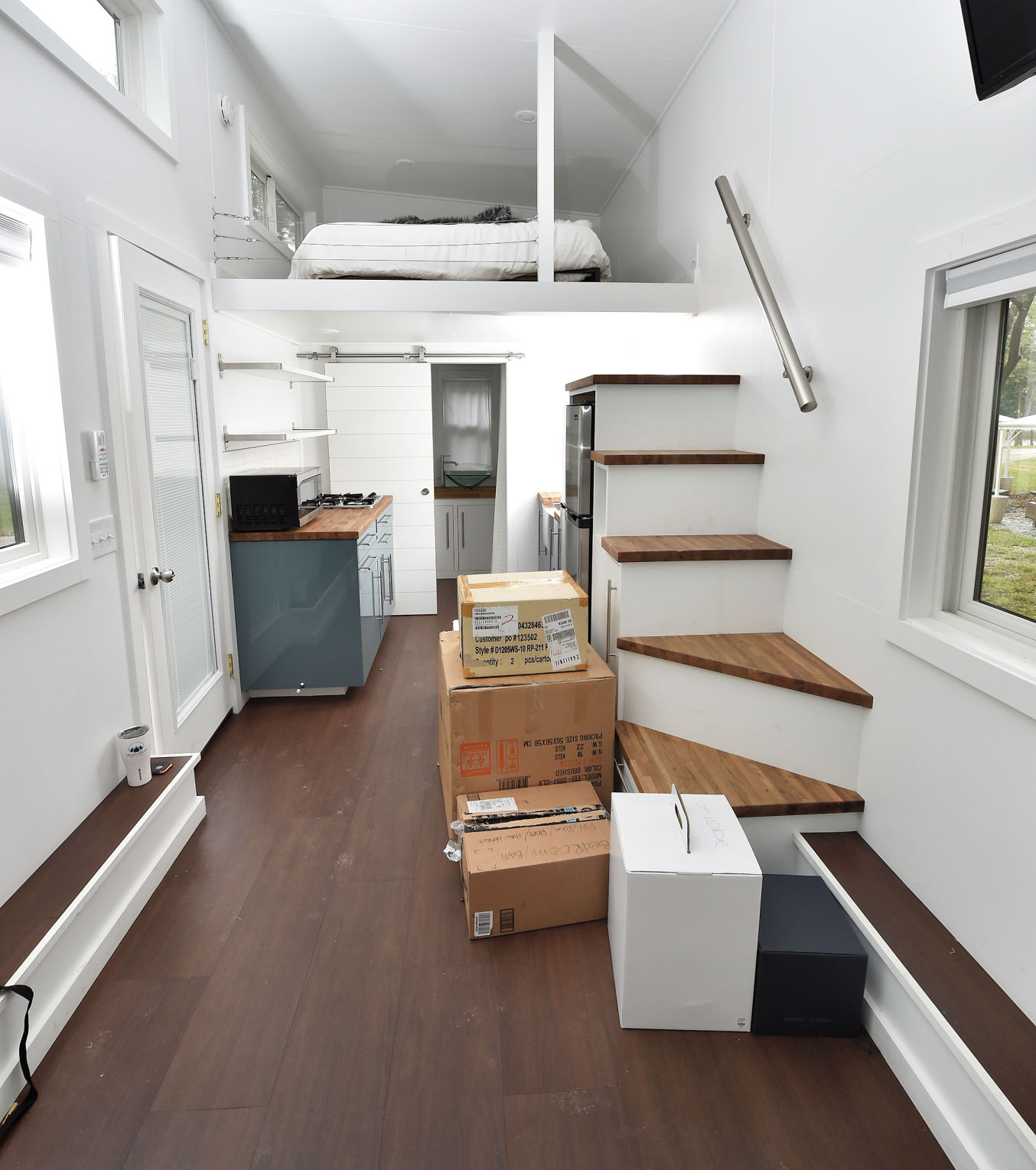 Kevin Hart Brings Lancaster Tiny House To Nyc Photos