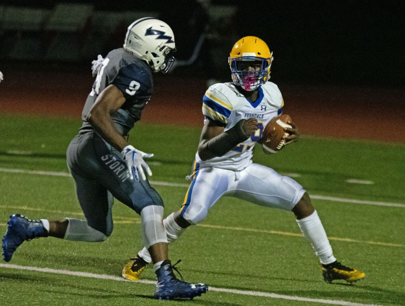 Schlenbaker's 4 TDs lifts Squalicum over Ferndale | Sports ...
