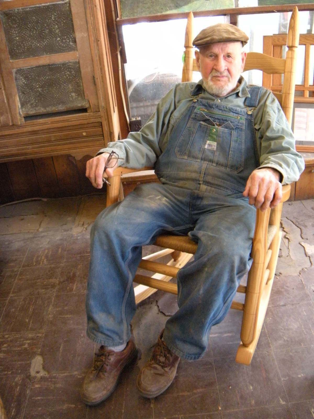 Craftsman Rests Master Chairmaker Max Woody Dies