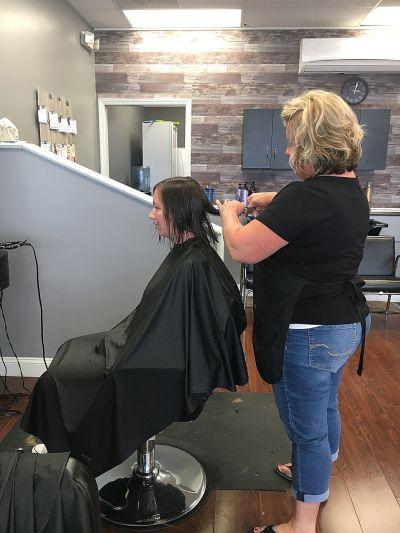 salon 905 provides trendy