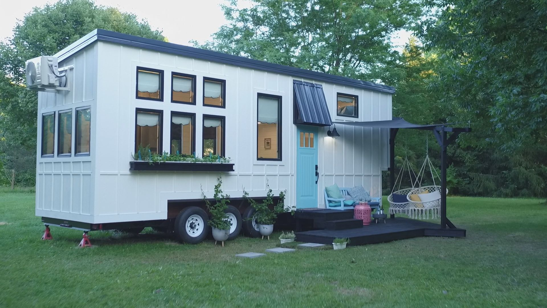 Zionsville Father And Daughter Featured On Tiny House