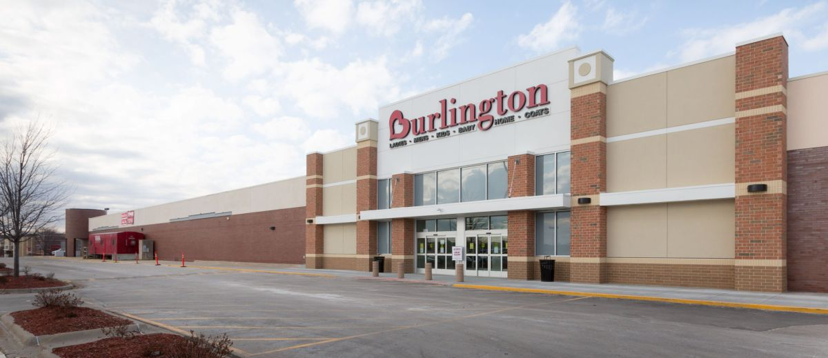 Shopping centers face challenge to refill empty spaces