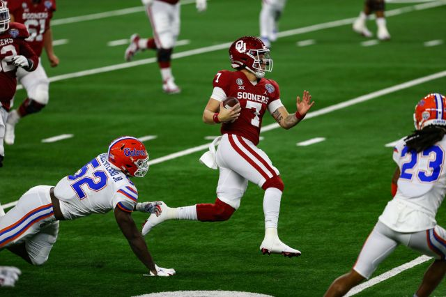 OU football: Spencer Rattler commands Sooner offense to record-breaking Cotton Bowl performance against Florida   Sports   oudaily.com
