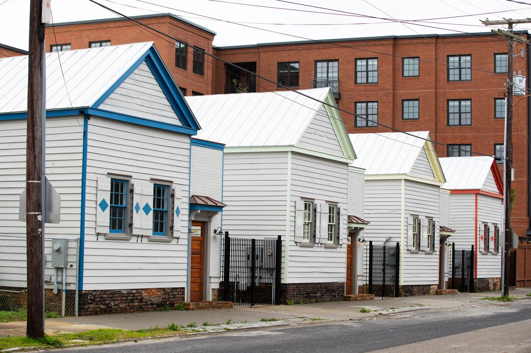 Freedman S Cottages In Charleston Among 20 To Pick Up