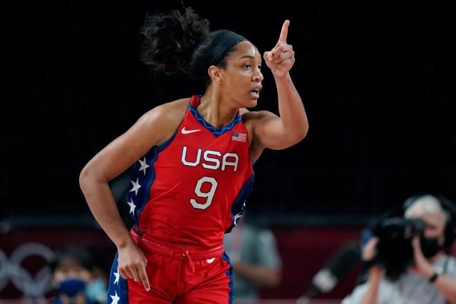 Golden Gamecocks: Dawn Staley, A'ja Wilson help Team USA win Olympic gold  medal | South Carolina | postandcourier.com