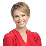 amy robach deliver spring commencement