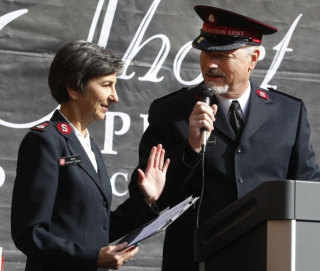 Area Salvation Army Gets New Commanders