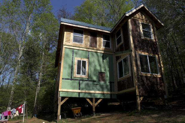 Floyd Tiny House Tour Showcases 6 Exceptionally Small