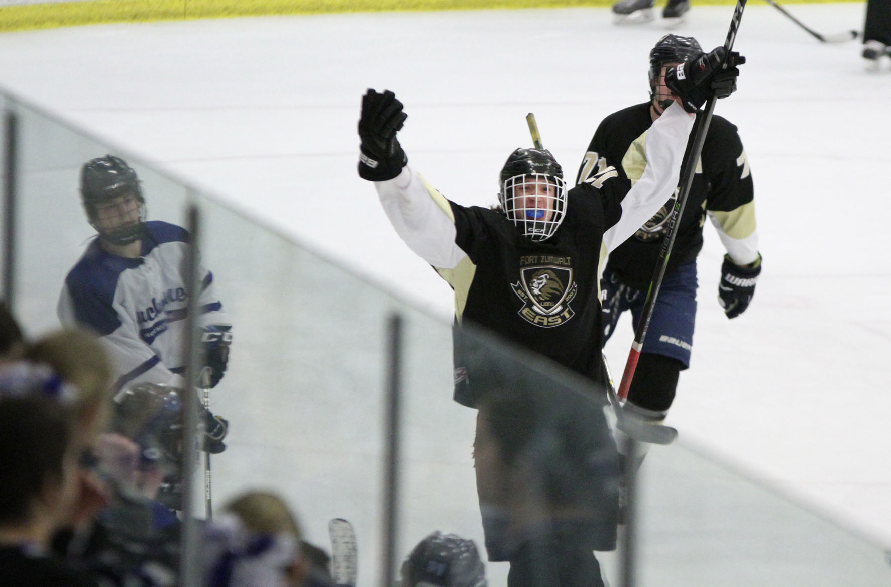 Duchesne High School Ice Hockey Fort Zumwalt East 7 Duchesne 6 High School Hockey Stltoday