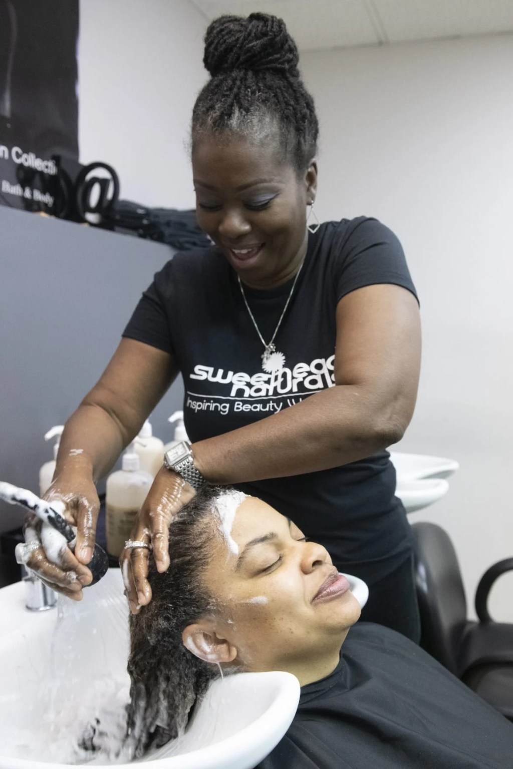 Natural Hair Salons In St Louis Mo : natural, salons, louis, Fight, Black,, Natural, Hair., 'People, Thought, Minds', Local, Business, Stltoday.com