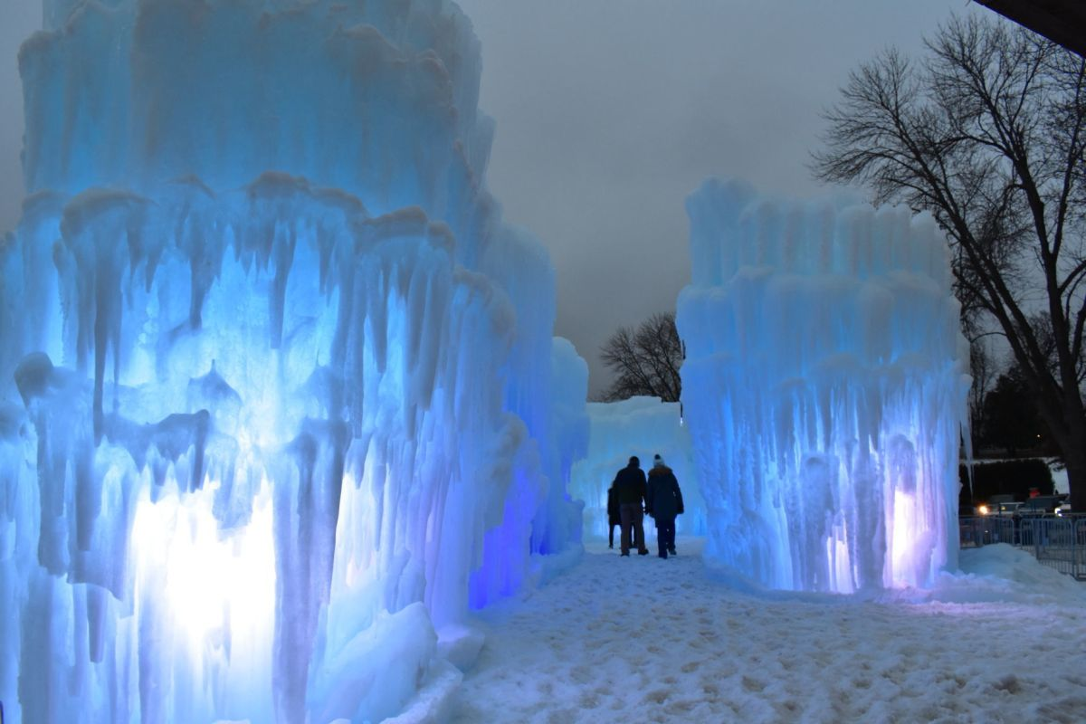 7 Visiting Ice Castles In