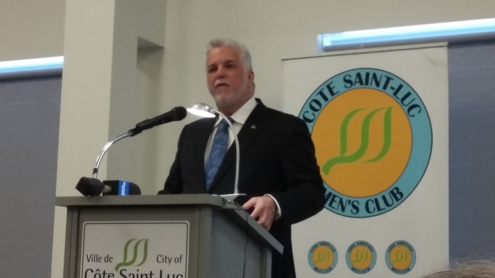 Not ruling out law on riding change criteria: Couillard