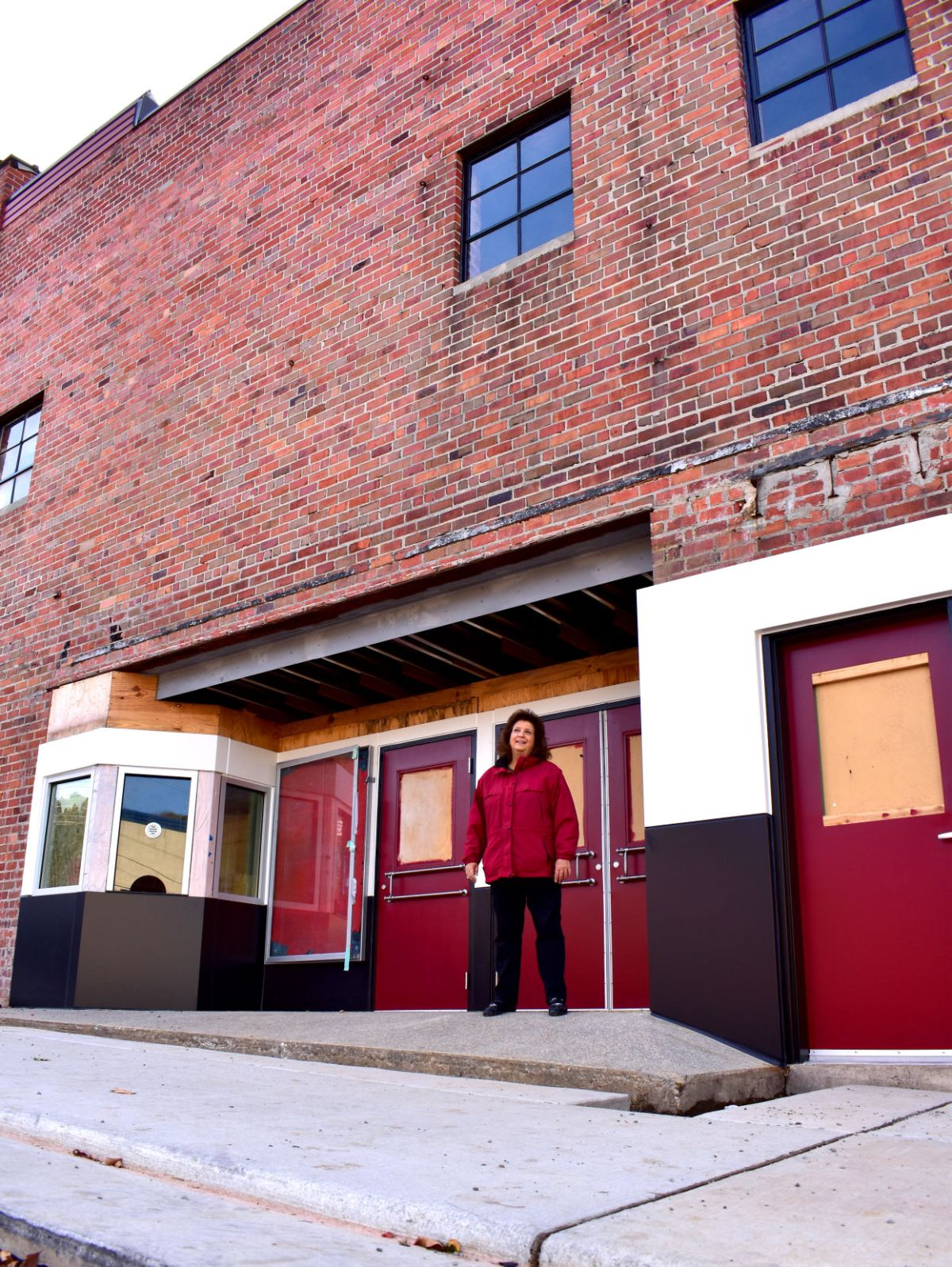 Lyric Brick House : lyric, brick, house, Lyric, Downtown, Composition, Local, Timesnews.net