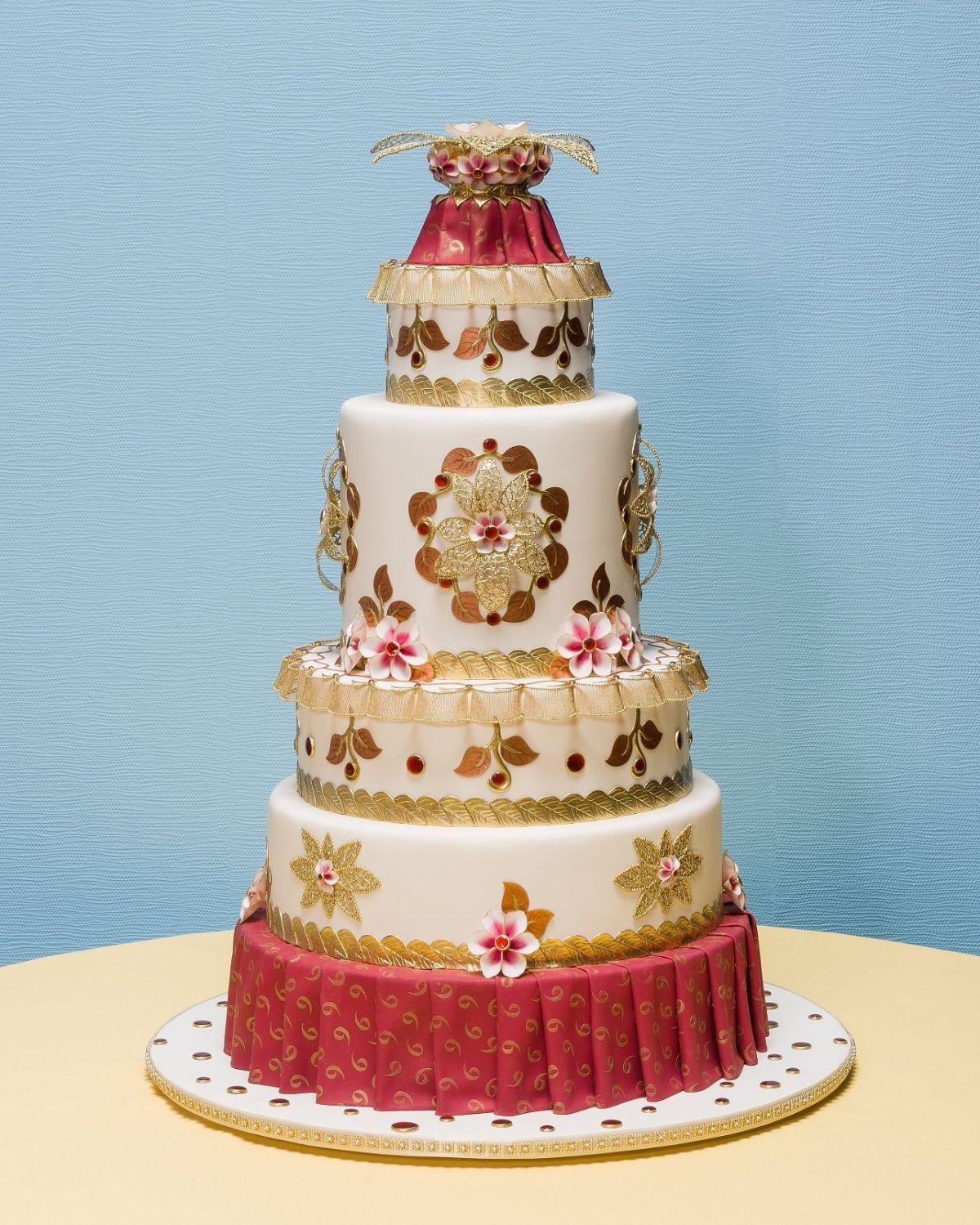 Wedding Dress Cake Earns Top Honors Grand National