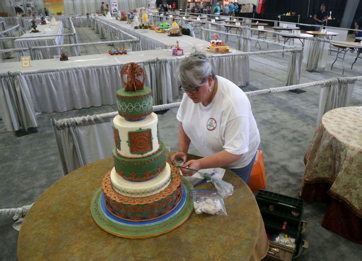 Cake Decorators Descend Tulsa State Fair