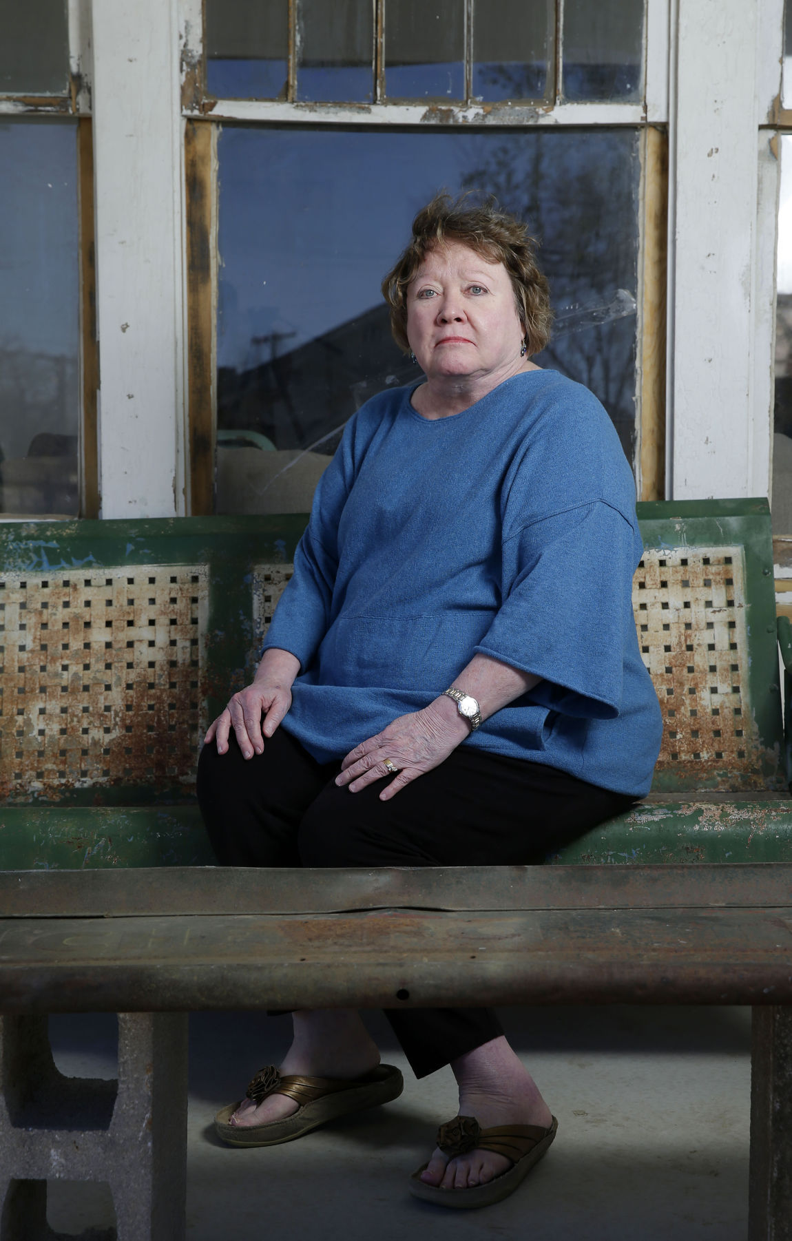 S. E. Hinton : hinton, Forever, Outsider:, Tulsa, Author, Hinton, Looks, Years, First, World, Magazine, Tulsaworld.com