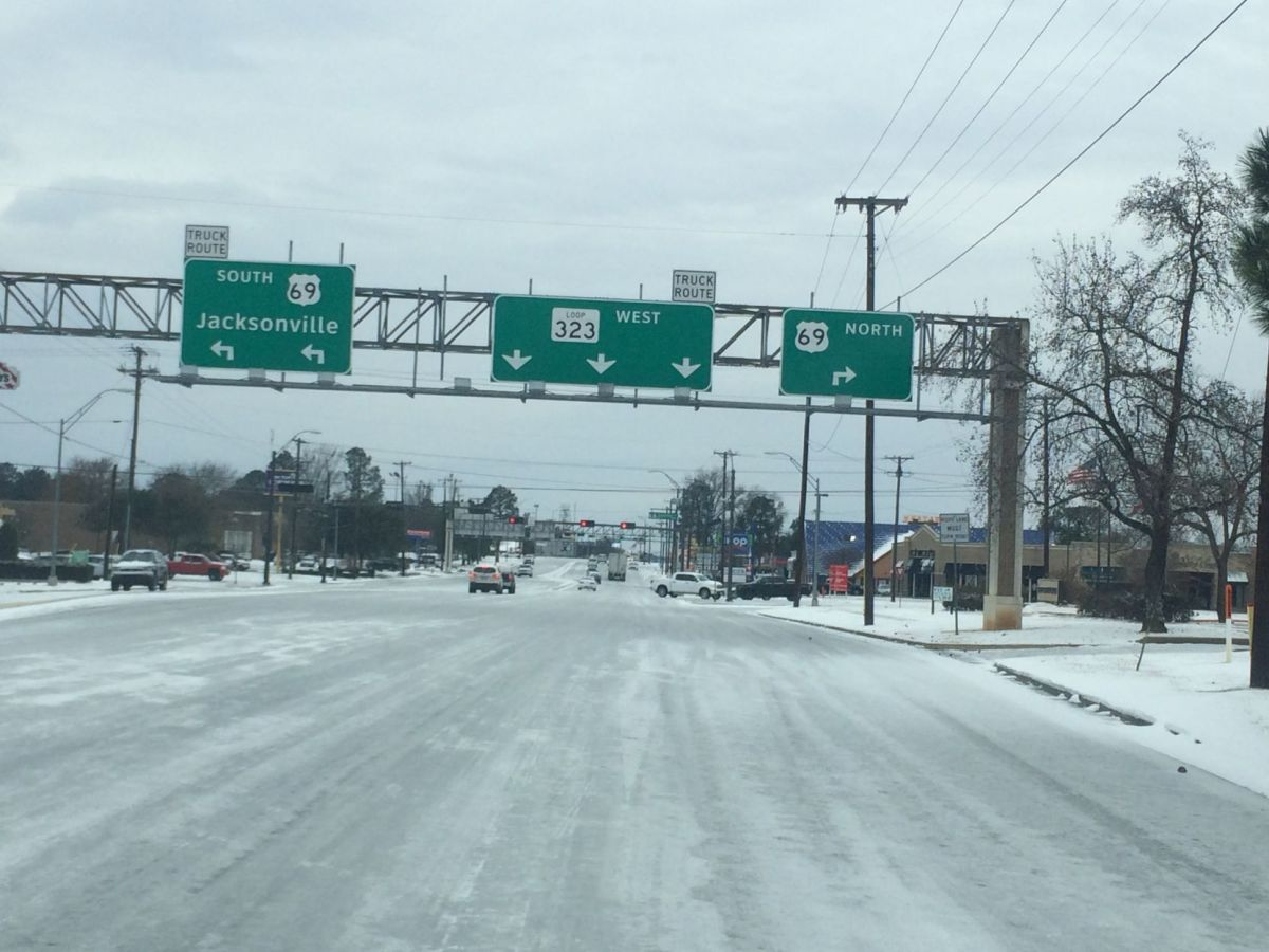 City of Tyler TxDOT work to clear snow ice from East Texas roads  Local News  tylerpapercom