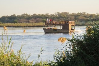 By-passing boat, Nunda