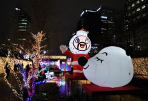 Christmas characters by Cheonggyecheon Stream.